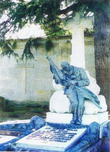 Escultura en Pereiró en honor de los soldados muertos
