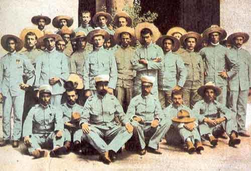 Soldados españoles en Filipinas