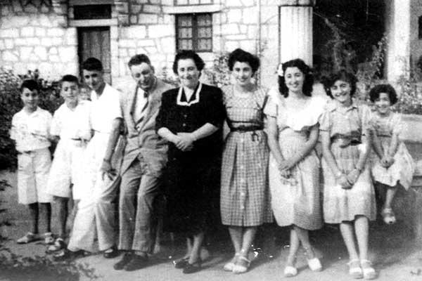 José y Rita con sus hijos