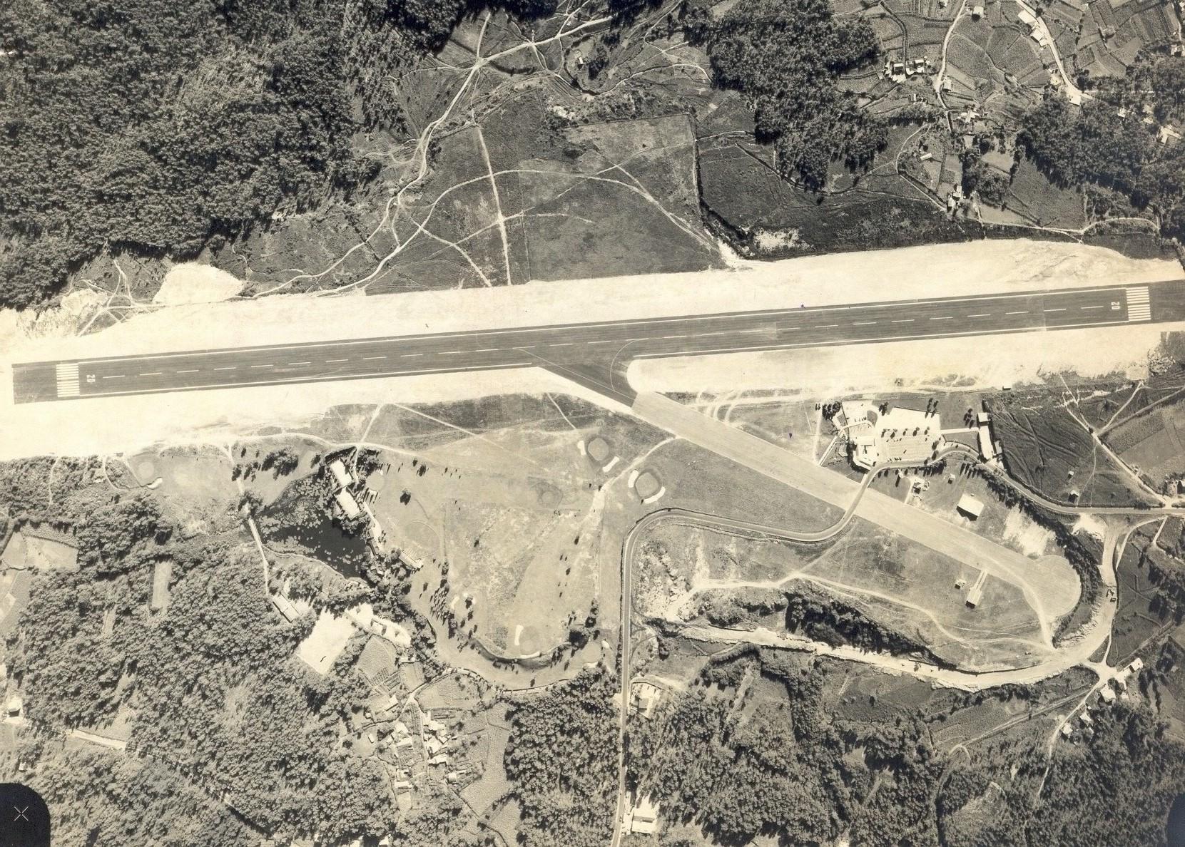 aerop. Foto aérea de Peinador